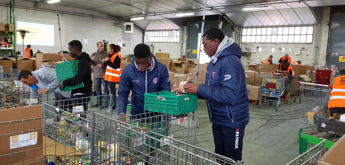 Les jeunes du Centre de Formation au soutien de la Banque Alimentaire
